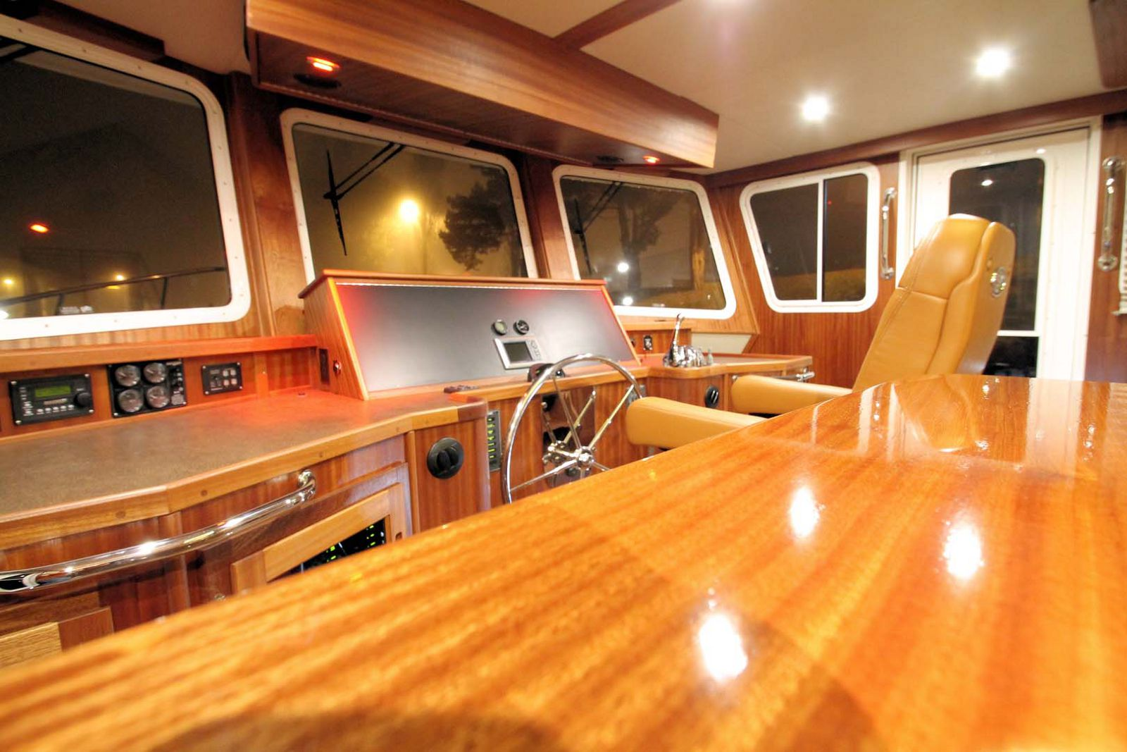 Captains Chair and helm station on the american tug 435