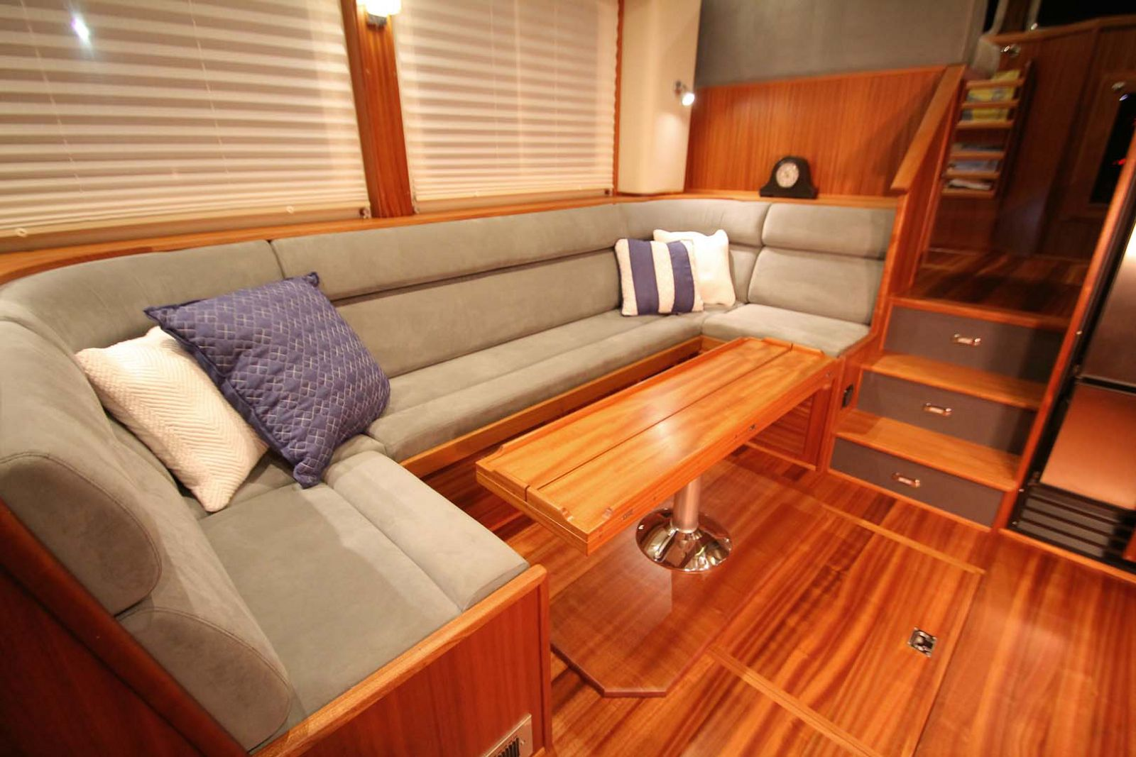 dinette and couch on the american tug 395