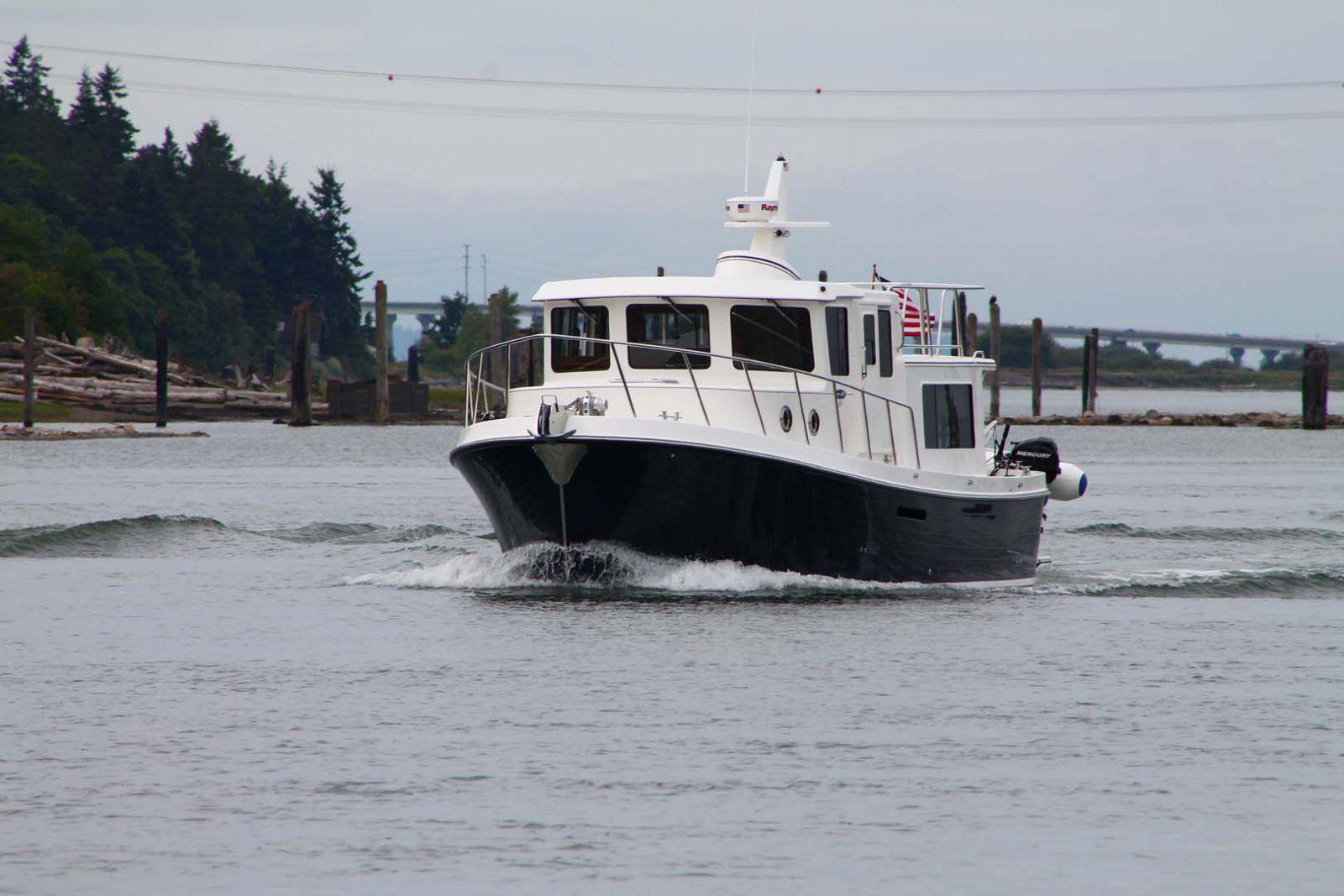 american tug 365 dark hull
