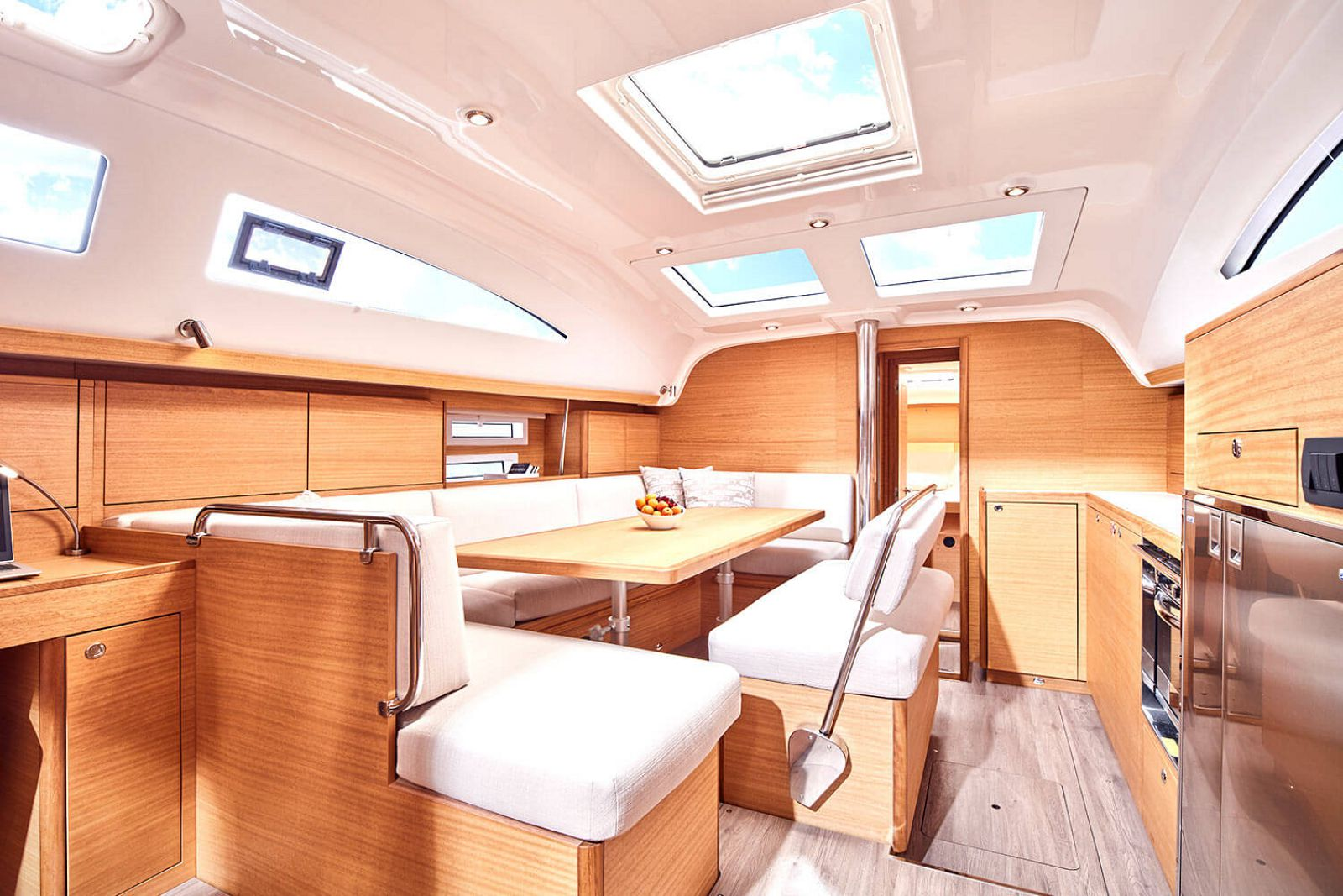 Interior of the Elan Impression 45.1