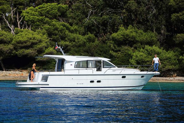 Nimbus-Boats-405-Coupe-For-Sale