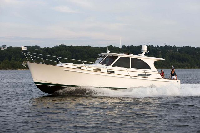 Legacy-Yachts-42-Downeast-Main